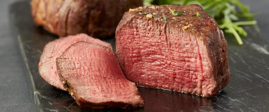Το κόκκινο υγρό στο κρέας που τρώμε δεν είναι αίμα!